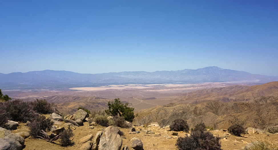 Views from the overlook in Joshua Tree